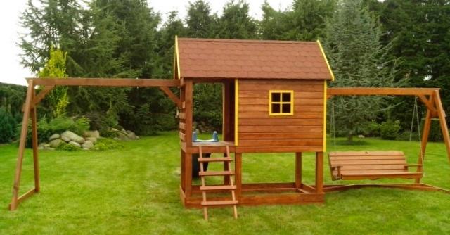 Place zabaw,plac zabaw z drewna,domek z drewna dla dzieci ,domki dla dzieci